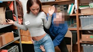 Shoplyfter – Petite Ebony Teen Fucked For Stealing