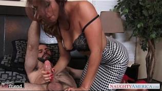 Lovely brunette Isabella De Santos ride cock