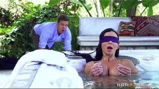 Brazzers – Jewels Jade – Mommy Got Boobs HD Porn Video