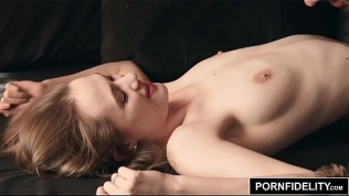PORNFIDELITY Samantha Hayes Makes Love to the Camera Before Fucking the Photographer