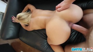 After Instagram Hookup she gets fucking doggiestyle and facial