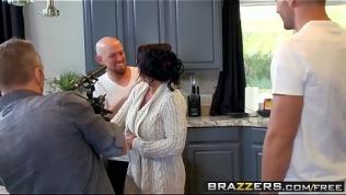 Brazzers – Mommy Got Boobs – (Ashton Blake), (Mike Mancini) – Pimp My Mom HD Porn Video