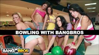 BANGBROS – Bowling For Pornstars With Rachel Starr, Diamond Kitty, Alexis Fawx, Brandy Aniston, and Anastasia Morna HD Porn Video