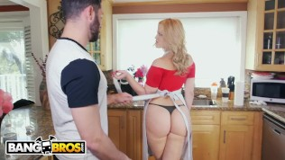 BANGBROS – PAWG Alexis Texas Stops By Ass Parade To Help Us Tidy Up HD Porn Video