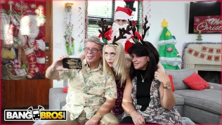 BANGBROS – Petite Young Blonde Anastasia Knight Fucked By Dirty Santa Claus!