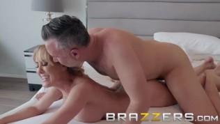 Brazzers – Bath time with Brandi Love HD Porn Video