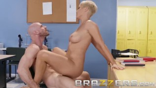 Brazzers – Dirty teacher Ryan Keely fucks students dad HD Porn Video