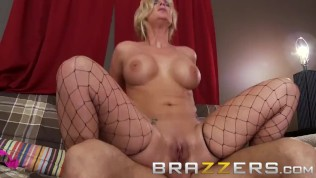 Brazzers – Fucking my gf's white trash mother in the ass – Phoenix Marie