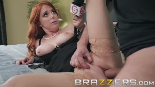 Brazzers – News girl Penny Pax Gets deep into a story HD Porn Video