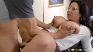 Fucking A Thick Milf In The Library – Brazzers HD Porn Video