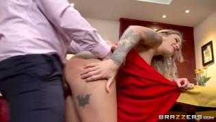 Fucking His Favorite Pornstar – Brazzers HD Porn Video