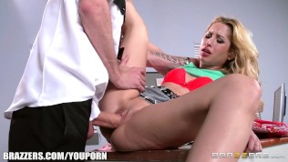 Goldie Shoplifts and gets punished – Brazzers HD Porn Video