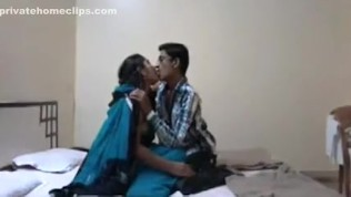 Indian Devar Is Here For Bhabhis Fuck www.niharikagoswami.in HD Porn Video