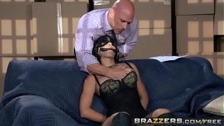 Brazzers – Baby Got Boobs – Jasmine Caro and Johnny Sins –  Working Stiff HD Porn Video
