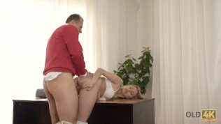 OLD4K. Beauty wanted to taste hard cock and old man couldn't say no HD Porn Video