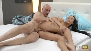 OLD4K. Old man and slim girl enjoy passionate morning fuck in bed HD Porn Video