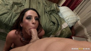 Sexy Latina mom Ariella Ferrera fucks college student in his dorm HD Porn Video