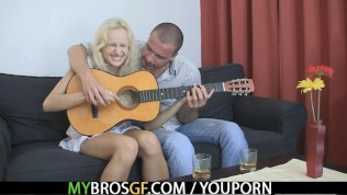 She jumps on his cock while her BF away