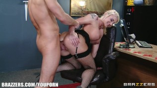 Submissive blonde secretary is dominated by her new boss HD Porn Video