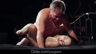 Veteran old dick enters and navigates young pussy