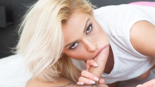 VIRTUAL TABOO – Spying Of Young Blonde Stepsis Turns Into Hard Fucking