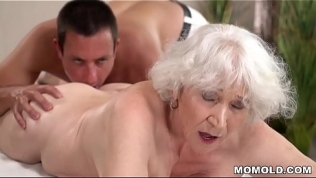 Old mom Norma enjoys sex after massage Free Porn Video