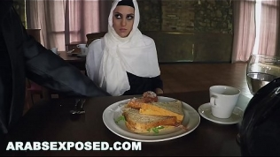 ARABSEXPOSED – Hungry Woman Gets Food and Fuck (xc15565)