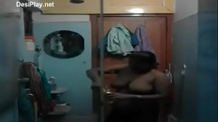 Sexy telugu aunty bathing Free Porn Video