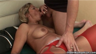 Grandma's pussy gets fucked by her toy boy Free Porn Video