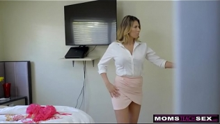 MomsTeachSex – Hot Mom Caught With StepSiblings In Threesome! S8:E6 Free Porn Video