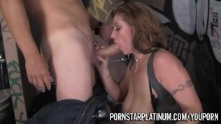 Eva Notty Bathroom Fuck Free Porn Video
