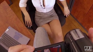 Bosses Pet – Secretary Chessie Kay is the Queen of DeepThroat