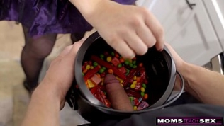 MomsTeachSex – Big Dick Trick Or Treat For Step Mom And Step Sis S11:E7